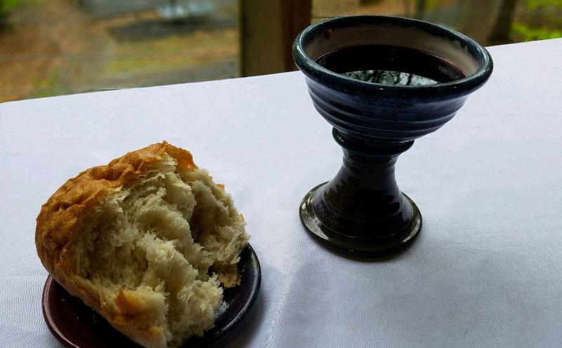 ds-_0002_bread and wine